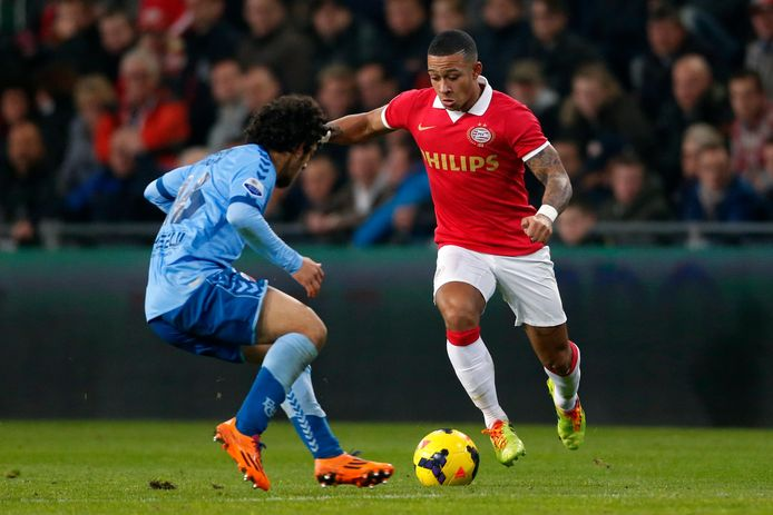 Memphis Depay in actie voor PSV.