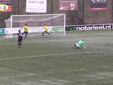 #HéScheids: Blunderende verdedigers en is deze bal over de lijn?