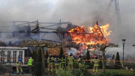 f17ecba2f2d Piet kom, je huis staat in brand!' | Dordrecht | AD.nl