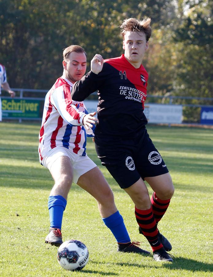 Oostburg-speler Matthijs van der Meulen, hier op archiefbeeld, stapte zondag met zijn ploeg als winnaar van het veld.