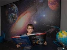 Ruimtefanaat Florian heeft in zijn kamer nu alles over het heelal, maar wil straks een Titanic-kamer