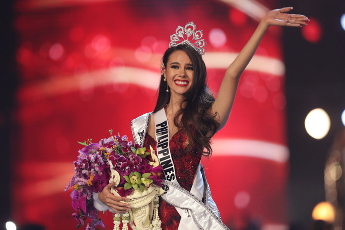 Miss Philippines, Catriona Gray, a été couronnée Miss Univers 2018.