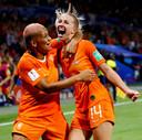 Pure extase bij Jackie Groenen na haar goal tegen Zweden.