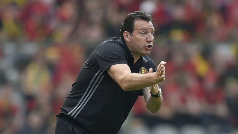 Marc Wilmots in actie als coach van het Belgische nationale elftal. Velen verwijten hem een te defensieve opstelling. Beeld afp
