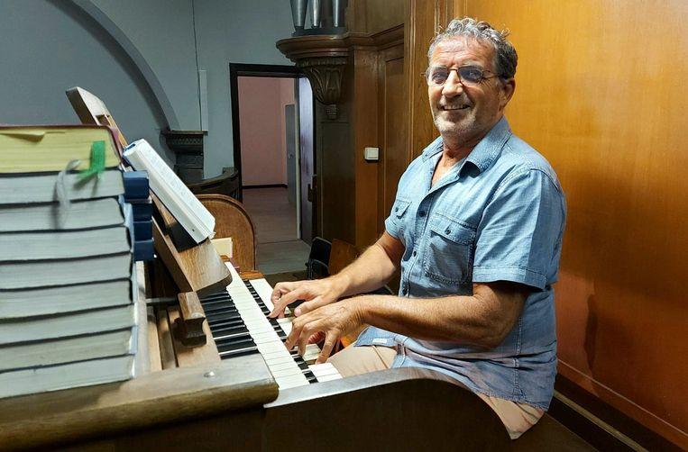 Marc Bailliu vind je al 25 jaar terug achter het orgel in de Sint-Martinuskerk in Roesbrugge.