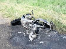 Gedumpte scooter brandt uit in Woerden