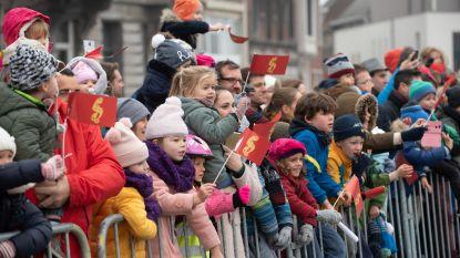 """VIDEO + FOTOSPECIAL - Sinterklaas krijgt hartelijk onthaal en stelt iedereen gerust: """"Dit jaar geen stoute kinderen in Oudenaarde!"""""""