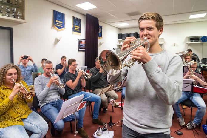 Luca Vaneman komt uit Ter Aar en speelt trompet in de Brass Band Schoonhoven.