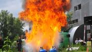 Man probeert frietketel met water te blussen  en raakt verbrand