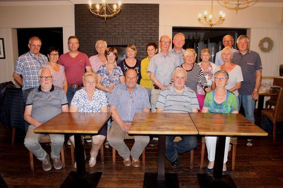 Het kaartseizoen van de Vriendenkring van het stad- , ocmw- en financiënpersoneel van Diksmuide zit erop. De kampioenen kregen een gepaste hulde.