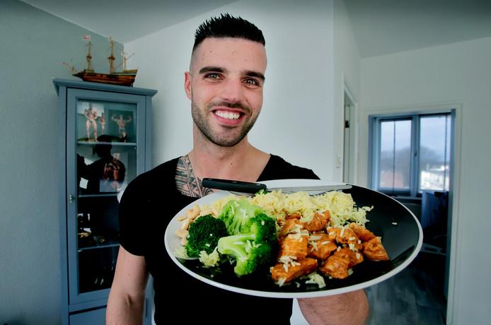 """Rijst, broccoli en kip: Marvin Schnebeli eet het vrijwel iedere dag. ,,Het hoort helemaal bij mijn eetpatroon."""""""