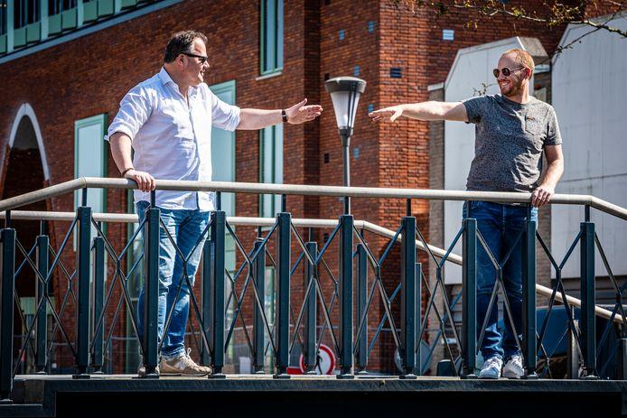 EDBA-directeur Joost Berkhout (links) met horeca-ondernemer Martin Kalkhoven, eigenaar van Maggie Blue, Wet 'n Wild en 's Molenaarsbrug.
