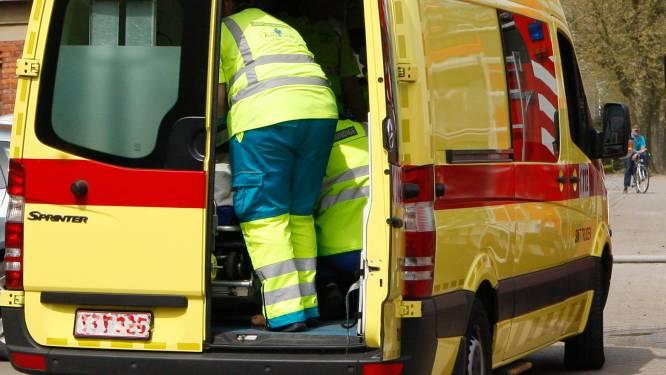 Bestuurster gewond bij aanrijding op kruispunt