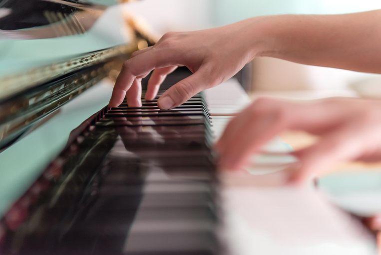 Op vrijdag 15 november speelt toppianist Jozef De Beenhouwer een uniek concert met muziek van Peter Benoit in de Sint-Augustinuskerk van Stasegem.