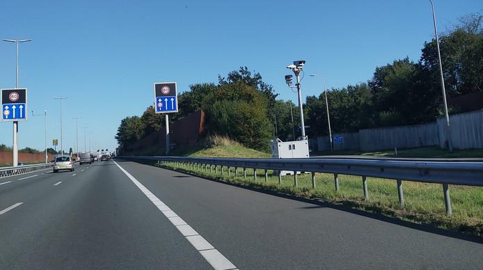 De camera's bij Zwolle die volgens veel mensen een flitspaal zou zijn.
