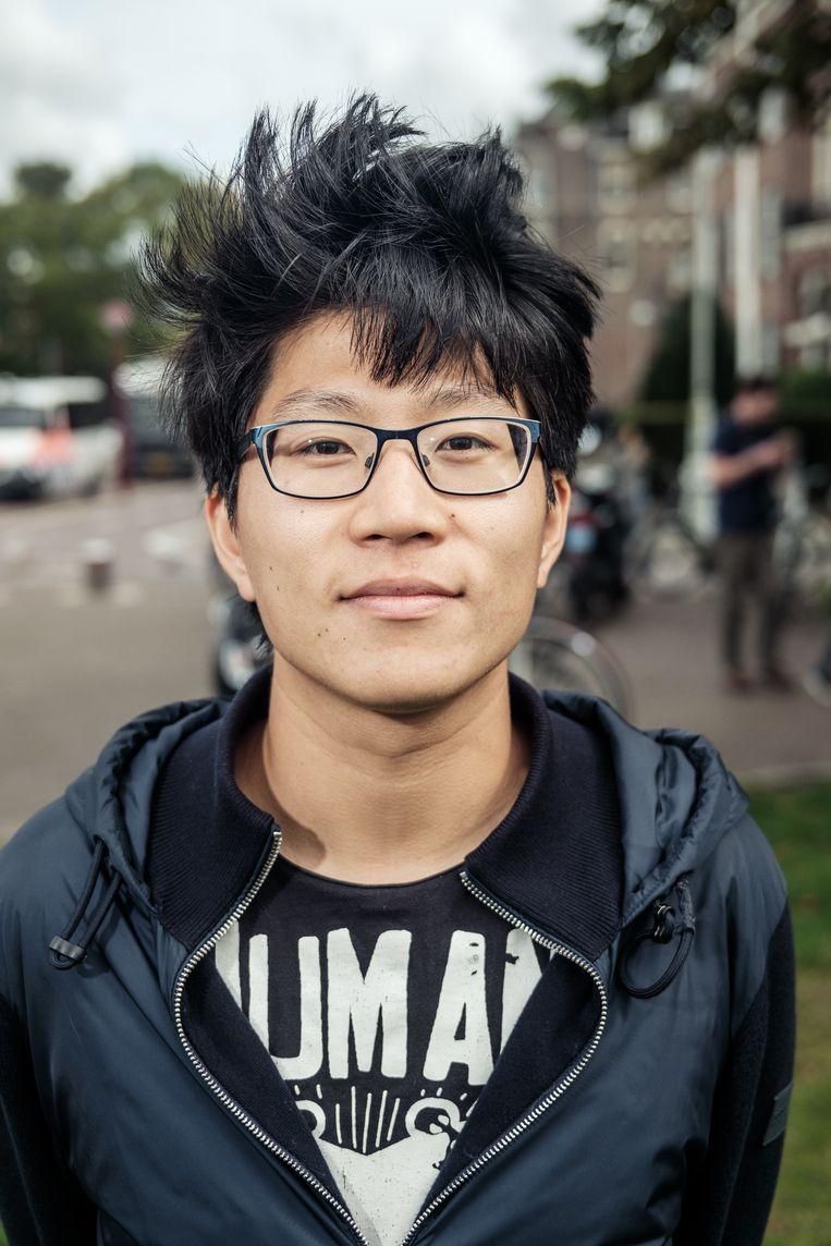 Sai-Yung Ly: ' Ik ben bang dat de illegale scene uit de hand gaat lopen en voor een tweede golf gaat zorgen.' Beeld Jakob Van Vliet