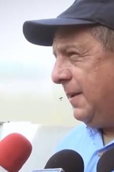 President Costa Rica eet wesp tijdens interview