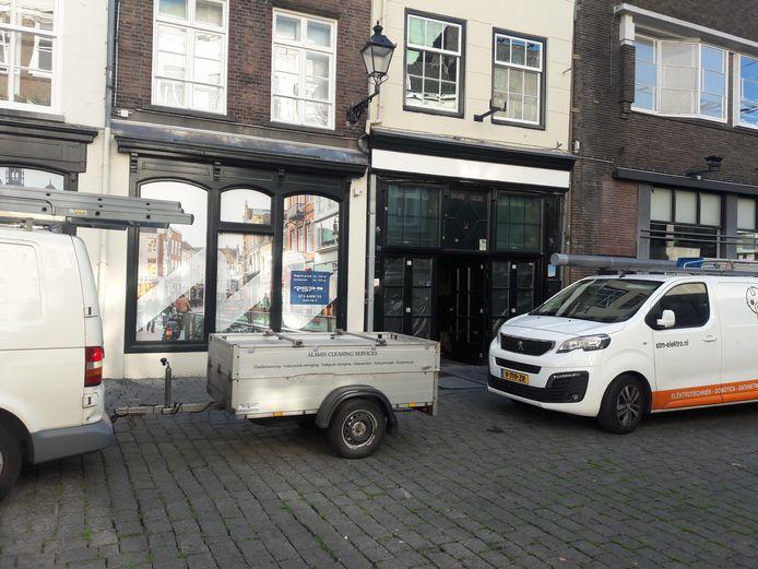 Werkzaamheden in het pand aan de Pensmarkt waar een restaurant wordt gevestigd.