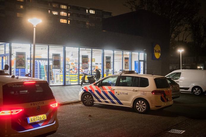 Overval Op Lidl In Eindhoven Winkelpersoneel Bedreigd Met Mes