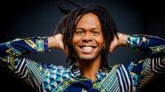 Songfestivaldeelnemers zingen samen tijdens alternatieve liveshow in mei