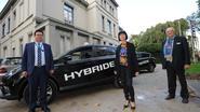 Eerste hybride taxi's rijden voortaan naar luchthaven