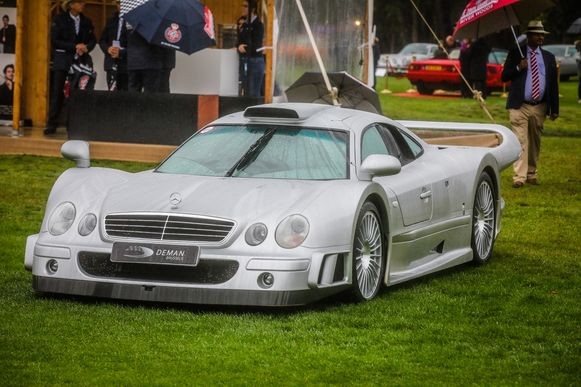 Mercedes CLK GTR straatversie.