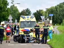 Wielrenner zwaargewond na botsing met motorrijder op de Kniplaan in Leidschendam