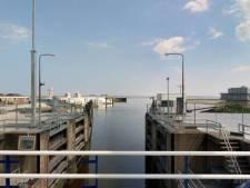 Gratis af te halen in Lauwersoog: sluisdeuren