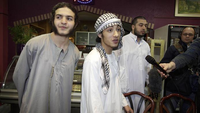 Archieffoto van enkele leden van Shariah4holland.