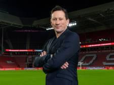 Schmidt en oud-spelers doen beroep op PSV-supporters bij verkoop seizoenkaarten