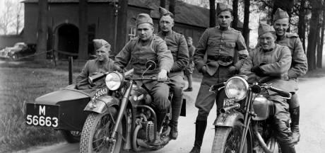 Trotse mannen en hun motoren; unieke foto's brengen deel geschiedenis Hummelo tot leven