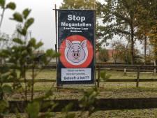 Vijf varkensbedrijven zijn al weg uit de buurt, maar 'strontstank' blijft