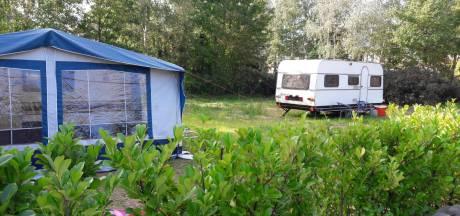 Woonwagenfamilie kraakt lege standplaatsen in Heesch