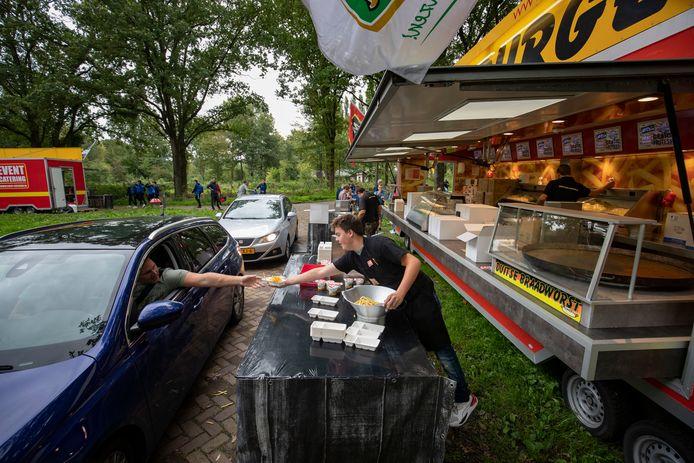 Gratis friet bij de 'Potatogo' in Emmeloord als onderdeel van de Polder Experience