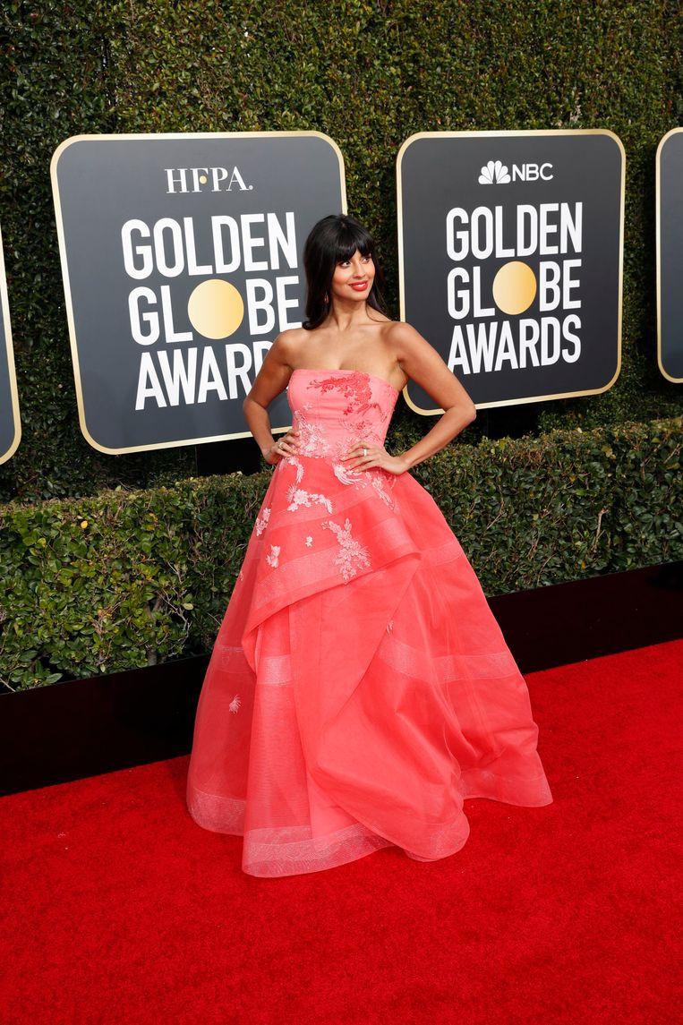 Actrice Jameela Jamil ging voor roze. Ze is bekend van de reeks 'The Good Place'.