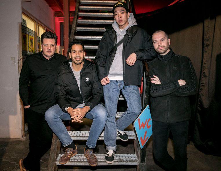 """Moderator Menno Pot: """"Met de komst van de Amsterdam schoen is de cirkel rond."""" Met Pablo Leckie (Adidas), ondernemer Kiet Hoang en Valentijn Bouman (Adidas). Beeld Amaury Miller"""
