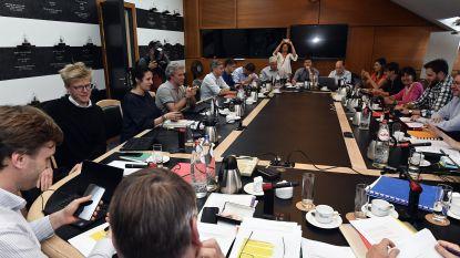 Witte rook in Brussel: socialisten, groenen, Open Vld en DéFI hebben regeerakkoord