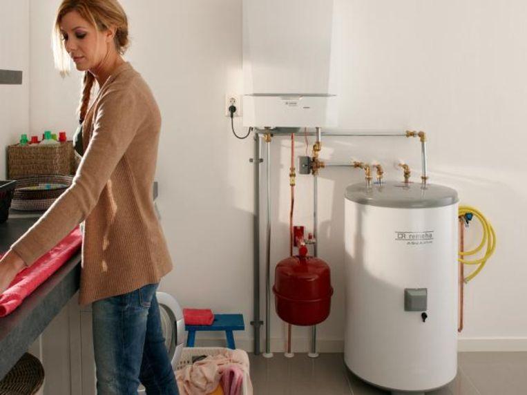 Ligt je badkamer op het gelijkvloers en hangt je ketel op zolder? Dan zal het vrij lang duren voor je warm water hebt.