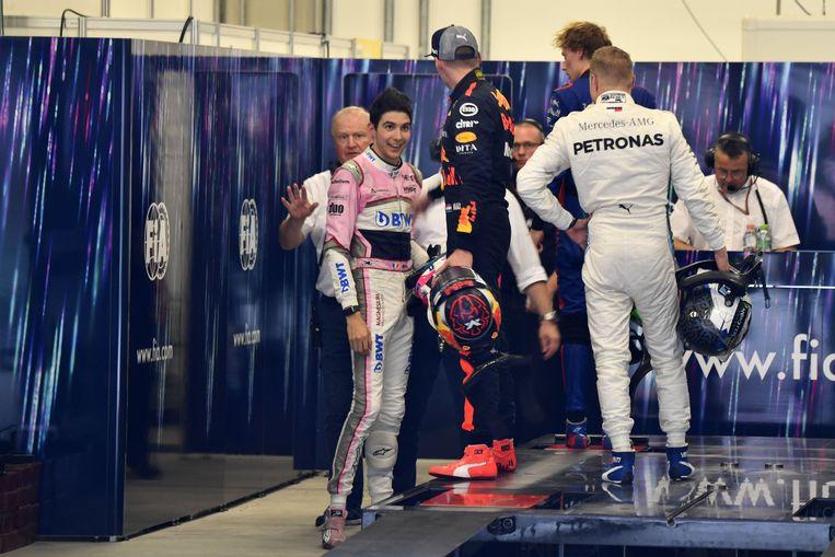 Het moment waarop Max Verstappen verhaal ging halen bij Esteban Ocon.