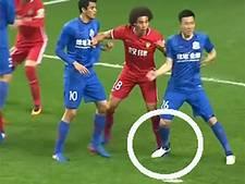 Chinese voetballer half jaar geschorst na gemene trap op voet Witsel