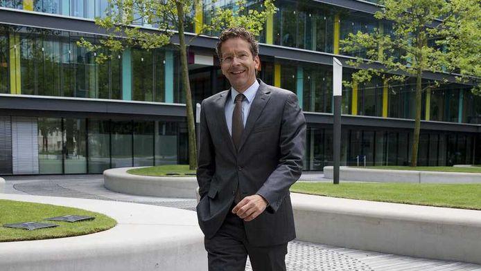 Minister van Financien Jeroen Dijsselbloem komt aan bij het ministerie van Financien voor het coalitieoverleg.