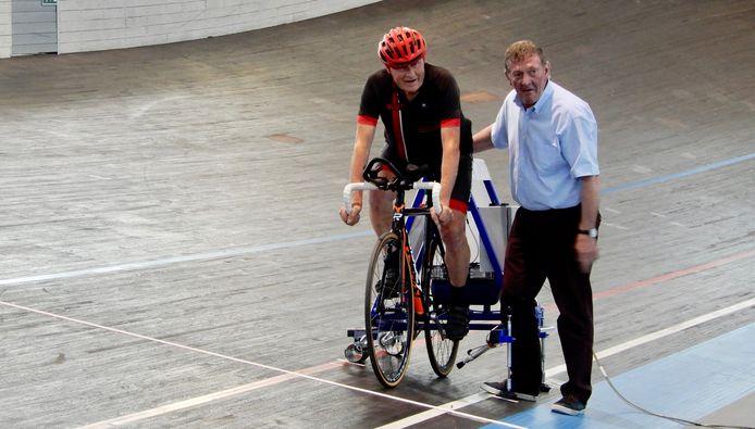 Jef Geerts klopte het Belgisch uurrecord met 2,5 kilometer.