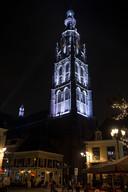 Grote Kerk in het zilver gezien vanaf de vismarktstraat/Havermarkt. Foto René Schotanus/Pix4Profs