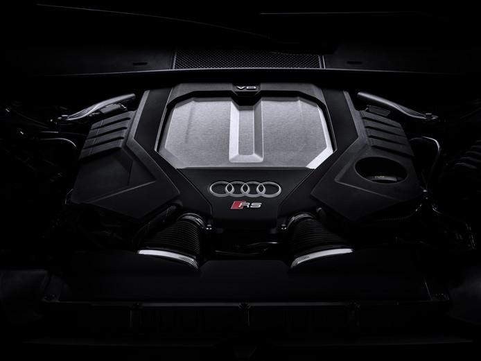 De 4.0 V8 met twee turbo's levert 600 pk