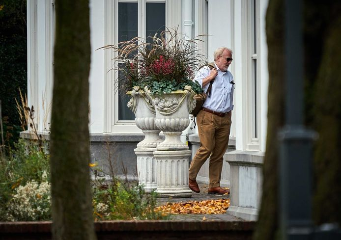 RIVM-directeur Jaap van Dissel komt aan bij het Catshuis-overleg.