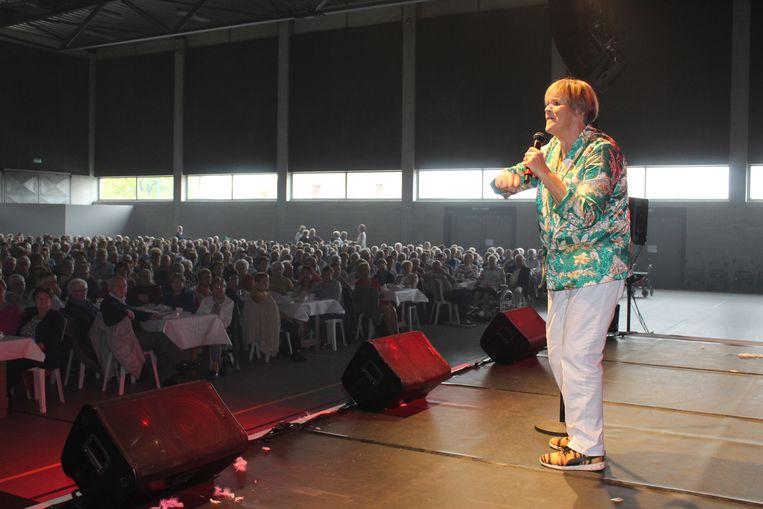 Margriet Hermans zong voor een bomvol Sportpark in Aalter.