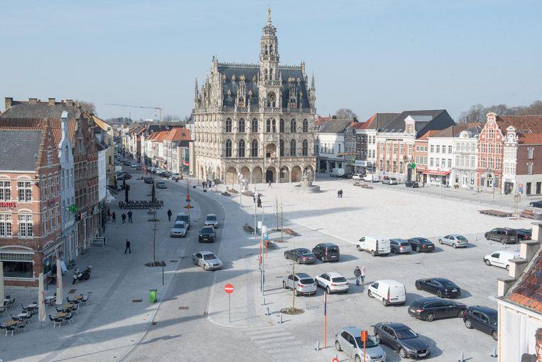 Het stadsbestuur haalt de knip op de Markt weg.