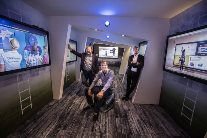 Directieleden Bernard Gosselink, Remmelt van der Woude en Francois Barlinckhoff (van links naar rechts) in de presentatieruimte van Ctouch in Eindhoven. Foto Ton van de Meulenhof