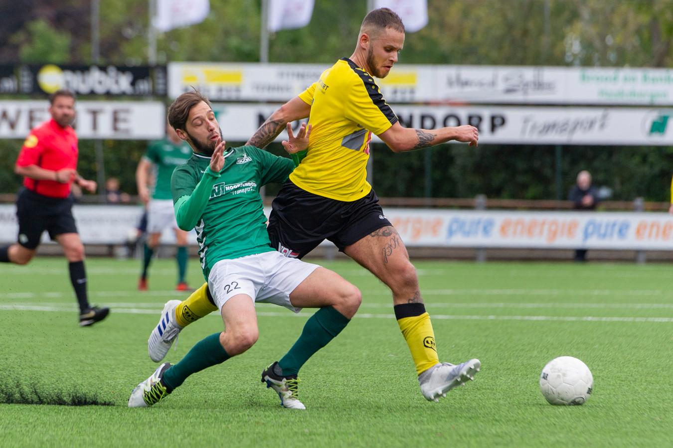 l+r  Diego van der Weide of HSC'21, Bassou Boulghalgh of UNA  COPYRIGHT;orangepictures/Ron Jonker