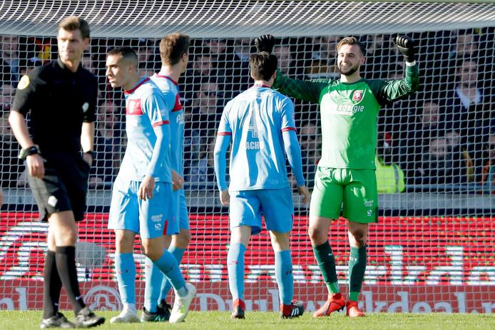 Doelman Joël Drommel stond aan de basis van de winnende treffer van FC Twente tegen Go Ahead Eagles.